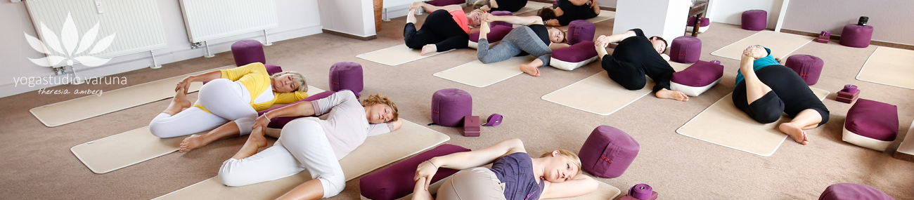 yogastudio-varuna-hanau-aschaffenburg-kurse-studio-yogakurs-3